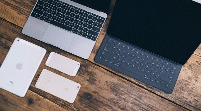 パソコンやスマホ